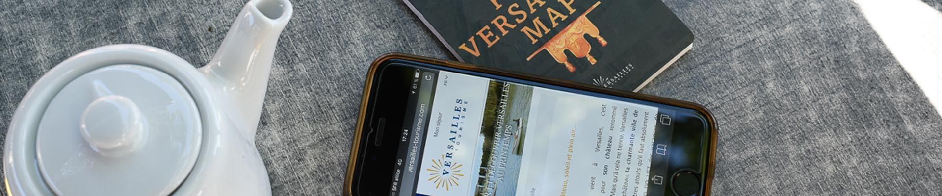 Mapa y sitio web de la Oficina de Turismo de Versalles