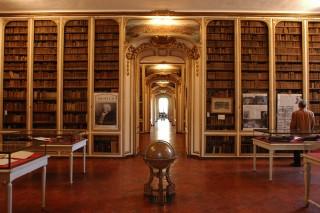 Galerie de l' ancien Hôtel des Affaires étrangères à Versailles, où fut signé le traité de l'Indépendance Américaine