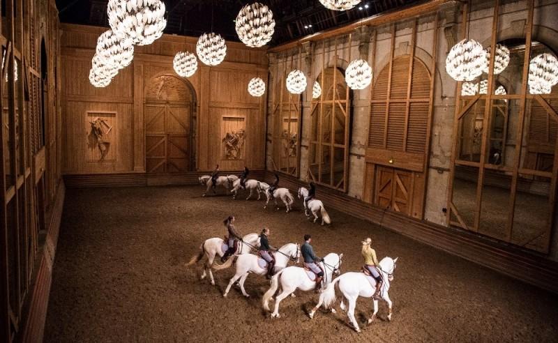 1920x1440-spectacle-de-bartabas-a-la-grande-ecurie-du-chateau-de-versailles-78-550