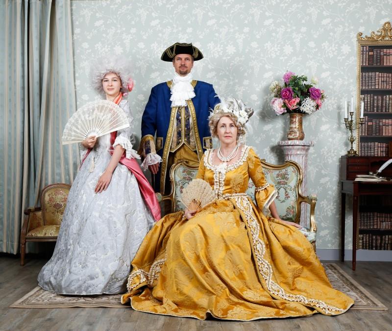 3-costumes-et-chateau-362