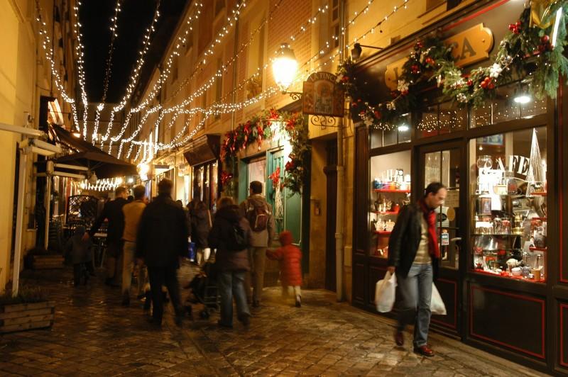 Rue des deux portes à Noël