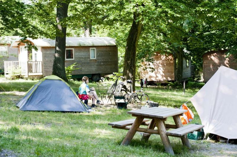 camping-versailles-huttopia-campeur-emplacement-854