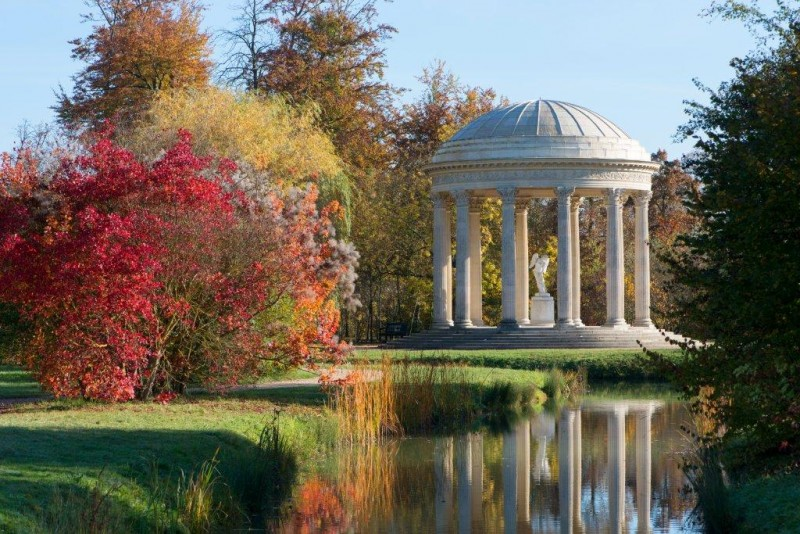 The temple of love of the domain of Versailles under the colors of autumn