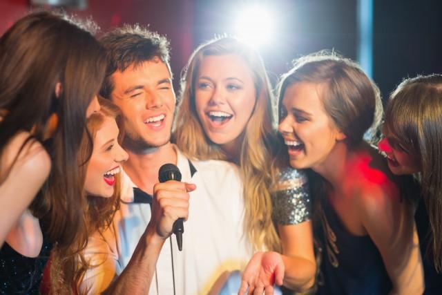 Cesar karaoke et chanteurs