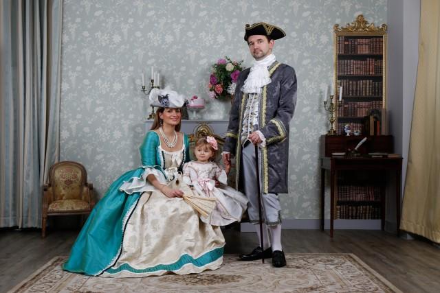 Costumes & Châteaux