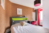Angleterre's hotel - versailles - palace - family stay
