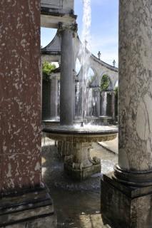 Bosquet de la Colonnade dans les jardins du Château de Versailles
