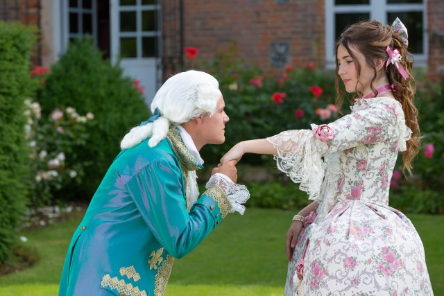 Demoiselles à Versailles - shooting photo -luxury costume