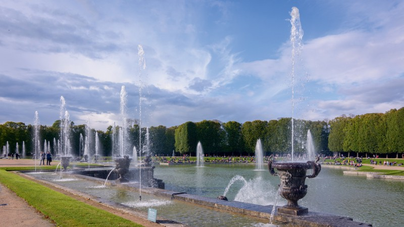 Musical Fountains Show - Gardens - Palace of Versailles - Fountains
